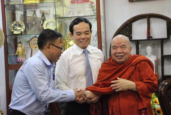 Lãnh đạo TPHCM thăm, chúc tết Ban Trị sự Giáo hội Phật giáo Việt Nam TPHCM và các hòa thượng ảnh 3