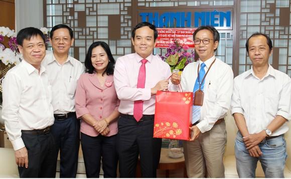 Đồng chí Trần Lưu Quang thăm, chúc mừng các cơ quan báo chí ảnh 4