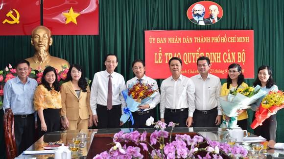 Phê chuẩn kết quả bầu Chủ tịch UBND huyện Bình Chánh với đồng chí Đào Gia Vượng ảnh 2