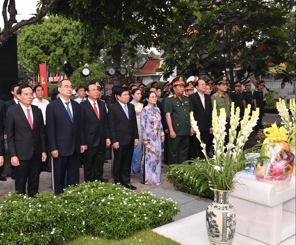 Dâng hương tưởng nhớ Chủ tịch nước, Đại tướng Lê Đức Anh ảnh 1