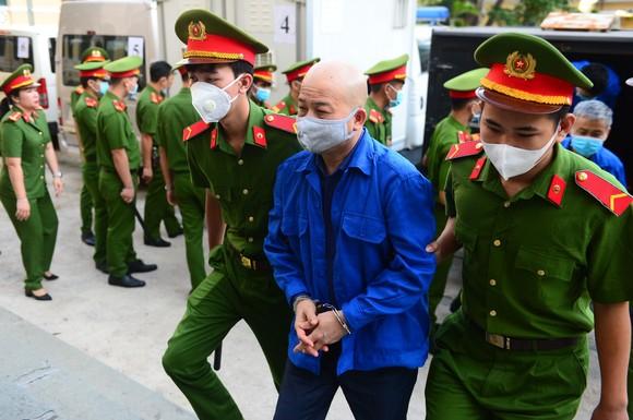 Ông Đinh Ngọc Hệ điều hành Công ty Yên Khánh ra sao? ảnh 1