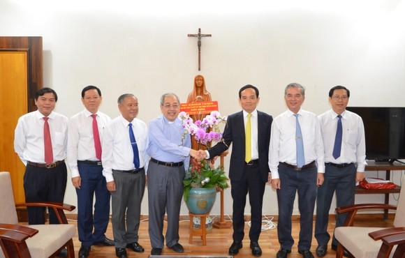 Lãnh đạo TPHCM thăm, chúc mừng Giáng sinh 2020 và năm mới 2021 ảnh 1