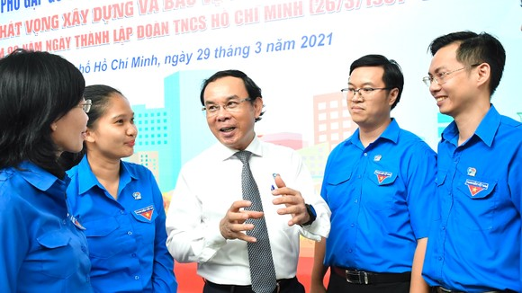 Đồng chí Nguyễn Văn Nên chia sẻ đầy xúc động, truyền cảm hứng cho thanh niên TPHCM ảnh 3