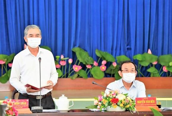 Bí thư Thành ủy TPHCM Nguyễn Văn Nên: Chủ động nghiên cứu, đề xuất cơ chế thay vì chờ tiền, chờ nhà đầu tư ảnh 4