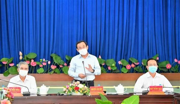 Bí thư Thành ủy TPHCM Nguyễn Văn Nên: Chủ động nghiên cứu, đề xuất cơ chế thay vì chờ tiền, chờ nhà đầu tư ảnh 2