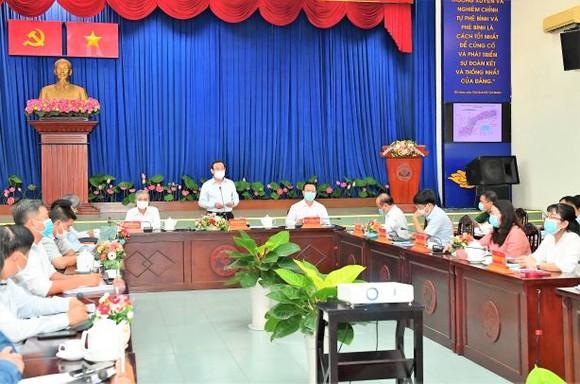 Bí thư Thành ủy TPHCM Nguyễn Văn Nên: Chủ động nghiên cứu, đề xuất cơ chế thay vì chờ tiền, chờ nhà đầu tư ảnh 1