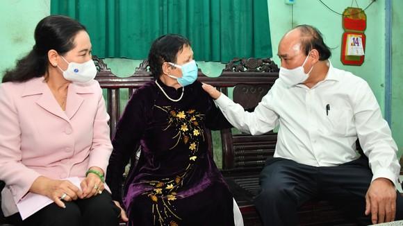 Chủ tịch nước Nguyễn Xuân Phúc: Sớm có tuyến cao tốc xuyên biên giới, giúp huyện Hóc Môn và Củ Chi đột phá phát triển ảnh 5