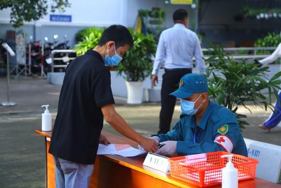 Chủ tịch Ủy ban Bầu cử TPHCM Nguyễn Thị Lệ: 99,38% cử tri đi bỏ phiếu, bầu cử an toàn và thành công ảnh 3