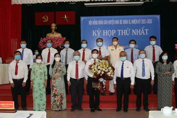 Đồng chí Triệu Đỗ Hồng Phước tái đắc cử Chủ tịch UBND huyện Nhà Bè   ảnh 1