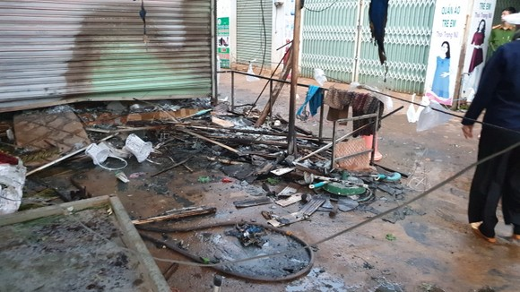 Cháy cửa hàng hoa tươi ở Đắk Lắk, 2 người chết ảnh 1