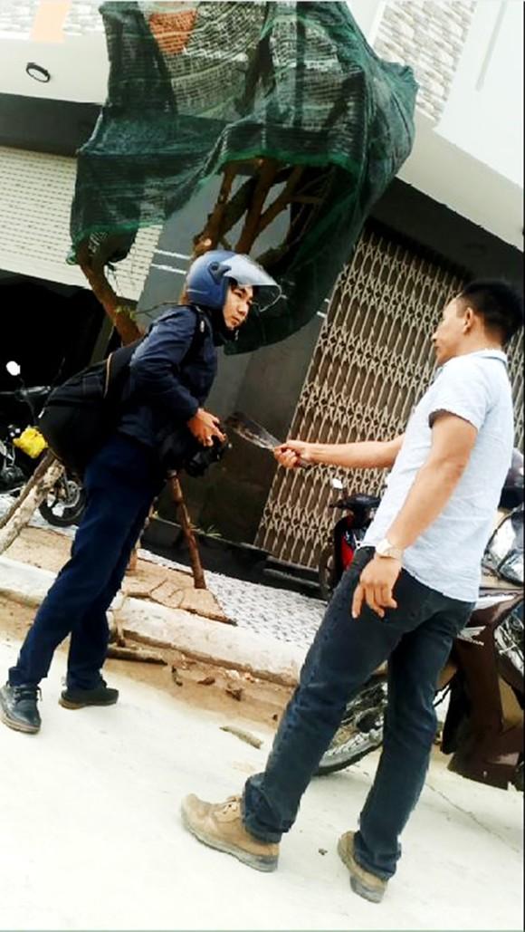 Vụ cầm dao dọa chém phóng viên: Khẩn trương điều tra, làm rõ xử lý nghiêm ảnh 3