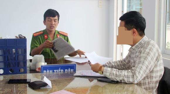 Điều tra, làm rõ việc PV Dương Dũ Tuấn bị côn đồ cầm dao dọa giết tại Bình Định ảnh 2