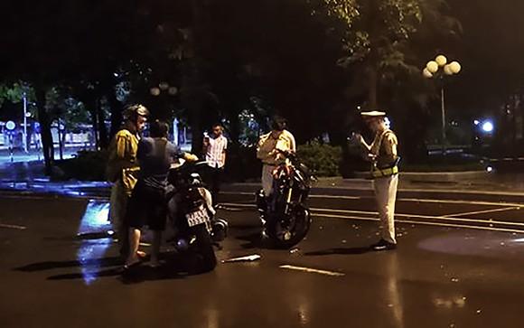 """Vụ CSGT """"tự té ngã"""" ở Bình Định: Người đi xe SH bỏ trốn khỏi hiện trường mang đầy rẫy tiền án, tiền sự ảnh 2"""