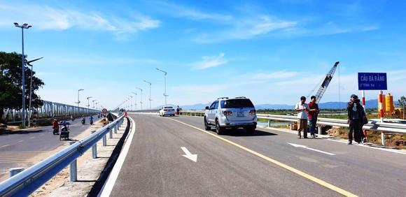 Chính thức thông xe cầu dài nhất trên quốc lộ 1 - miền Trung ảnh 2