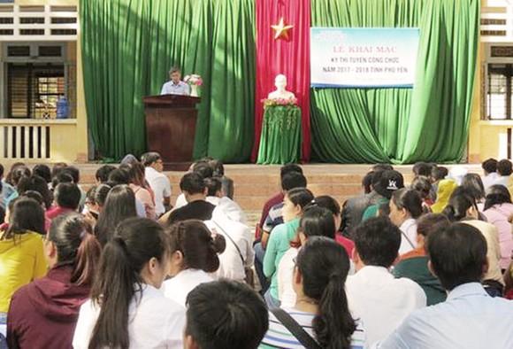 Vụ để lộ đề thi công chứ tại Phú Yên, công an bắt thêm 2 cán bộ Sở Nội vụ ảnh 1
