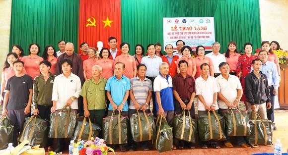 Gần 350 triệu ủng hộ Trung tâm nuôi dạy trẻ khuyết tật Võ Hồng Sơn ảnh 7