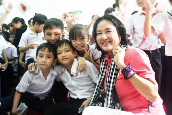 Gần 350 triệu ủng hộ Trung tâm nuôi dạy trẻ khuyết tật Võ Hồng Sơn ảnh 5