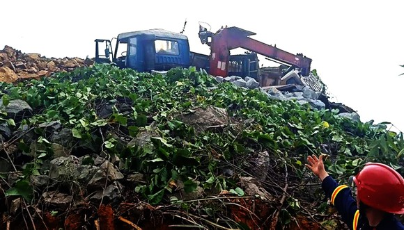 Hiện trường sạt lở núi nghiêm trọng ở thủy điện Rào Trăng 3 ảnh 3