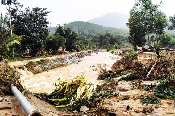 Bình Định báo cáo sự cố sạt lở tại Thủy điện Vĩnh Sơn 5 ảnh 3