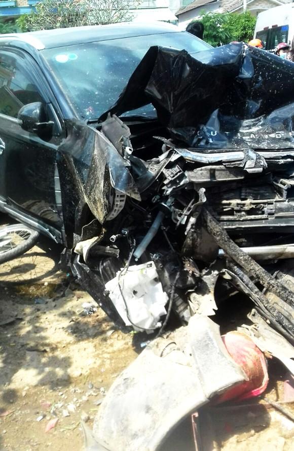 Bình Định xảy ra tai nạn nghiêm trọng khiến 3 người chết, 2 người cấp cứu ảnh 3