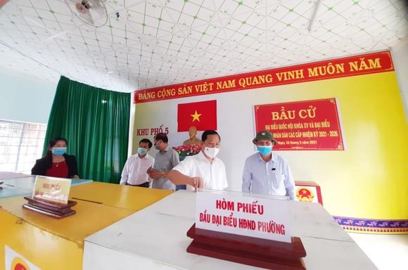 Bình Định: Hàng ngàn ngư dân trở về nghỉ trăng kịp ngày bầu cử ảnh 2
