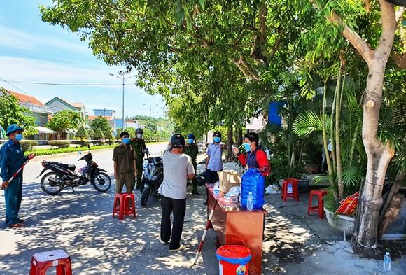 TP Tuy Hòa (Phú Yên) chính thức giãn cách xã hội theo Chỉ thị 15 ảnh 3