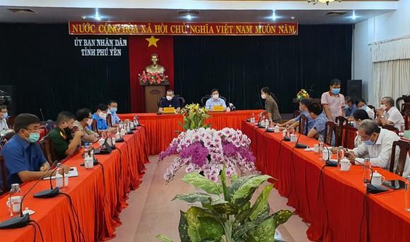 Phú Yên phong tỏa bệnh viện, phòng khám liên quan đến bệnh nhân mắc Covid-19 ảnh 1