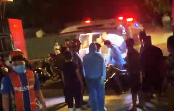 Chém nhau kinh hoàng tại cảng cá, 5 người nhập viện cấp cứu ảnh 1