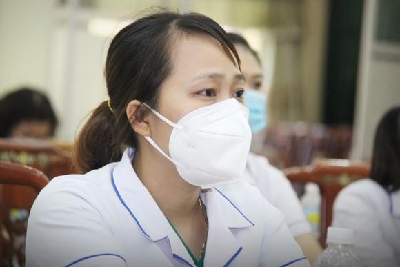 Đoàn y, bác sĩ Bình Định lên đường vào TPHCM, Bình Dương chống dịch ảnh 2