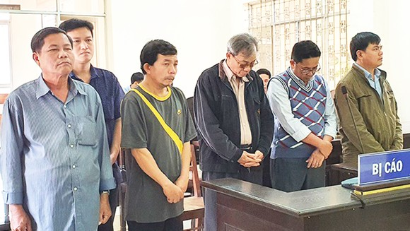 Phú Yên miễn trách nhiệm hình sự 3 cán bộ từng bị khởi tố vì thiếu trách nhiệm ảnh 1