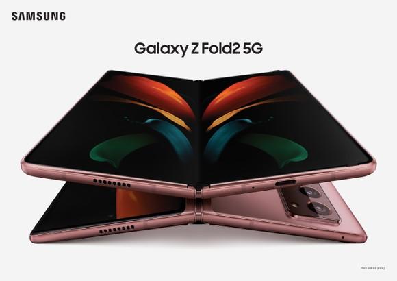 Thế giới Galaxy Z Fold2 trong bàn tay