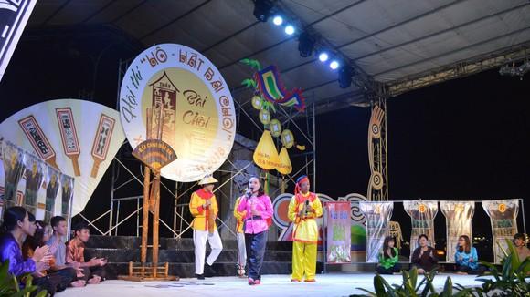 Hô bài chòi, trò chơi dân gian được đông đảo người dân và du khách thích thú tại phố cổ Hội An