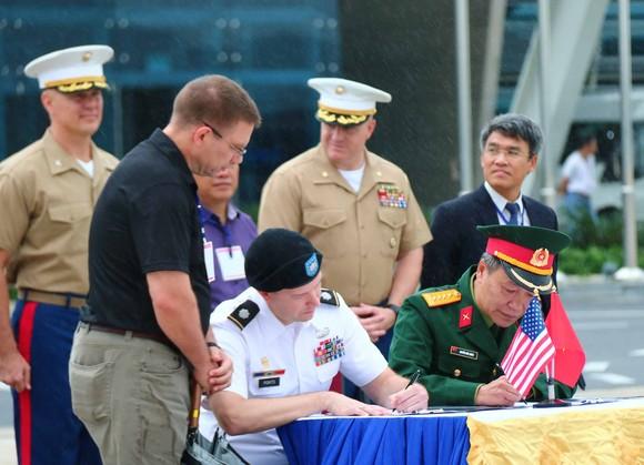 Việt Nam bàn giao ba bộ hài cốt quân nhân Mỹ  ảnh 1