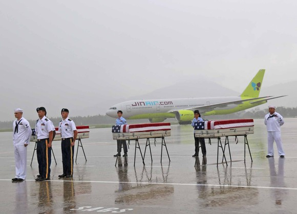 Việt Nam bàn giao ba bộ hài cốt quân nhân Mỹ  ảnh 5