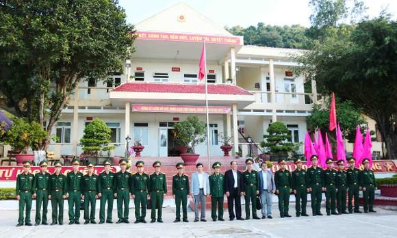 Lãnh đạo tỉnh Quảng Nam thăm chúc tết xã đảo Cù Lao Chàm ảnh 3