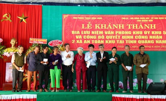 Khánh thành Bia lưu niệm Văn phòng Khu ủy Khu V ảnh 5
