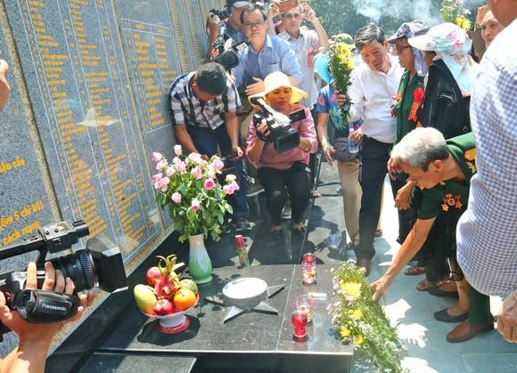 Khánh thành Bia lưu niệm Văn phòng Khu ủy Khu V ảnh 4
