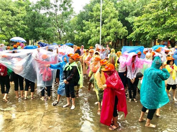 Học sinh Quảng Nam diễn tập ứng phó sóng thần ảnh 1