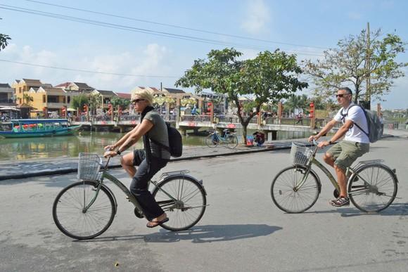 Hội An hướng đến mục tiêu xây dựng thành phố của xe đạp và xe điện ảnh 3