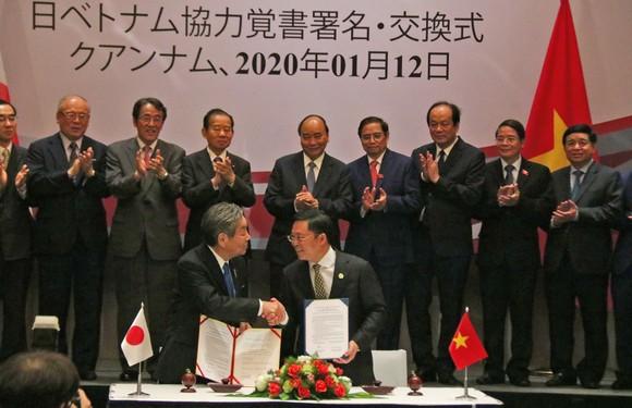 Thủ tướng tiếp Tổng Thư ký Đảng Dân chủ Tự do Nhật Bản ảnh 4