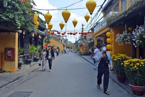 Khách du lịch tại thành phố Hội An