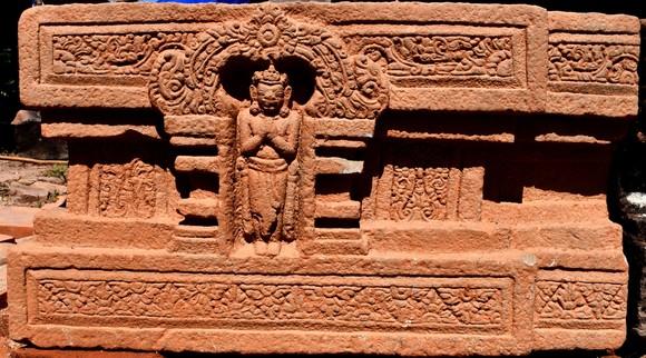 Phát hiện Linga-Yoni liền khối lớn nhất Việt Nam tại Khu đền tháp Mỹ Sơn ảnh 1