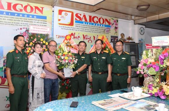 Quân khu 5 chúc mừng báo SGGP nhân ngày Báo chí Cách mạng Việt Nam ảnh 1