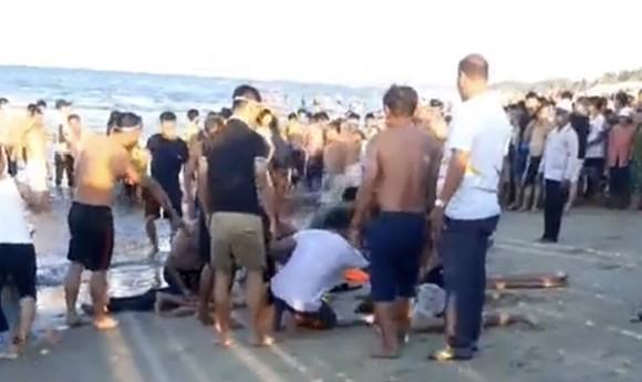 Đuối nước khi tắm biển ở Quảng Nam, 3 người tử vong  ảnh 1