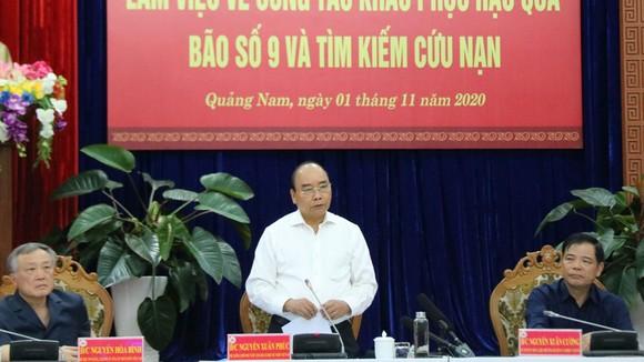 Quân khu 5 sẽ chăm lo cho trẻ xã Trà Leng bị mất cha mất mẹ do sạt lở ảnh 2