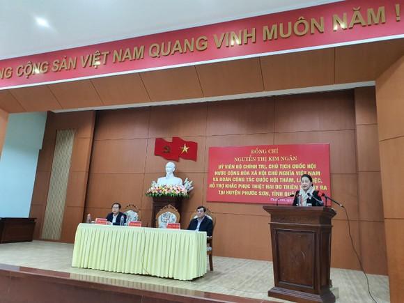 Chủ tịch Quốc hội thăm người dân vùng sạt lở Phước Sơn ảnh 2