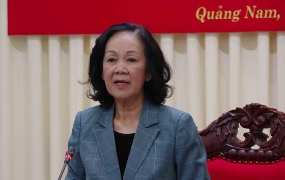 Trưởng Ban Dân vận Trung ương thăm, tặng quà cán bộ, chiến sĩ tại Quảng Nam ảnh 2