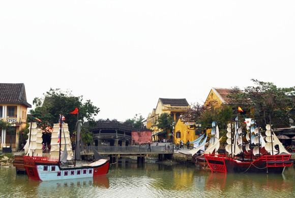 Tái hiện thương cảng Hội An xưa trên sông Hoài ảnh 1