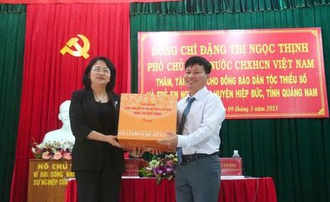 Phó Chủ tịch nước Đặng Thị Ngọc Thịnh thăm và tặng quà hộ nghèo, hộ chính sách tại Quảng Nam ảnh 3