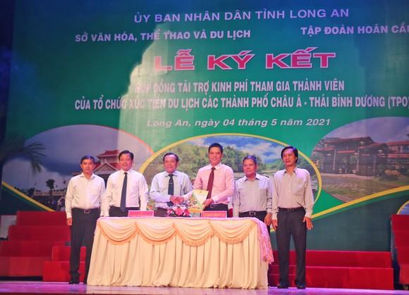 Long An tổ chức Lễ ký kết tài trợ kinh phí tham gia thành viên của Tổ chức Xúc tiến Du lịch các thành phố Châu Á – Thái Bình Dương. Ảnh: NGỌC PHÚC